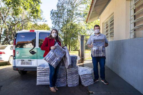Prefeitura recebe 50 cobertores doados pela Unimed