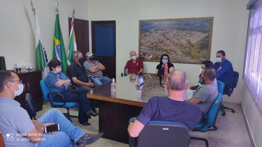 Reunião do Prefeito Marcos com pessoal da saúde e educação