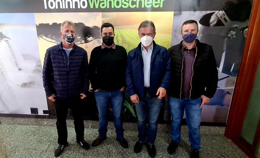 Prefeito Marcelo Leite em visita ao Deputado Federal Toninho Wandscheer