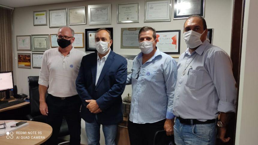 Prefeito Marcos Henrique Chiaradia com a equipe com Deputado Fernando Francischini