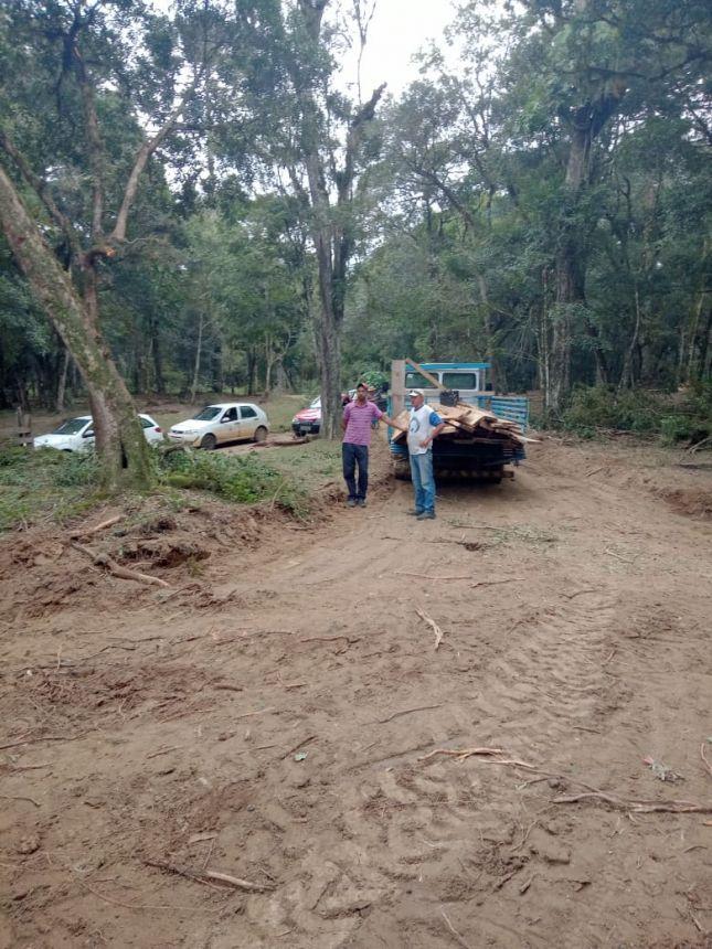 Serviço de adequação de estradas e pontes no interior de Guamiranga