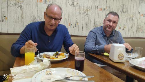 Prefeito Marcos Henrique Chiaradia e o Deputado Bacil almoço! Por kilo.
