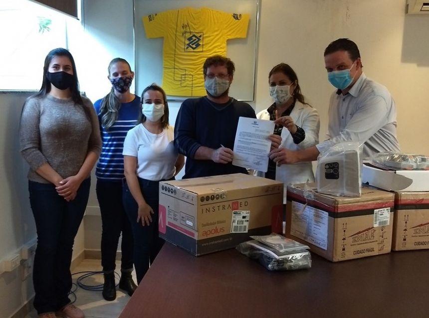 Saúde de Marialva recebe doação de dois desfibriladores e dois monitores cardíacos