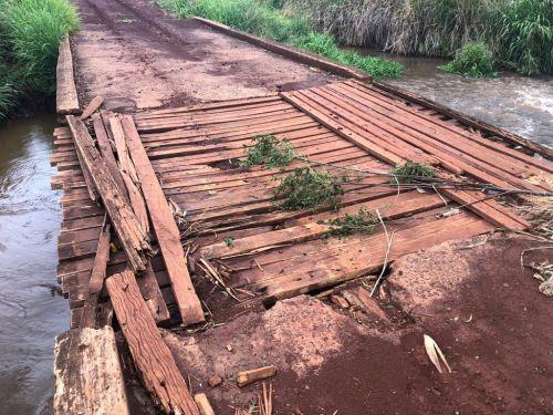 Foto mostra como era a ponte antes da obra