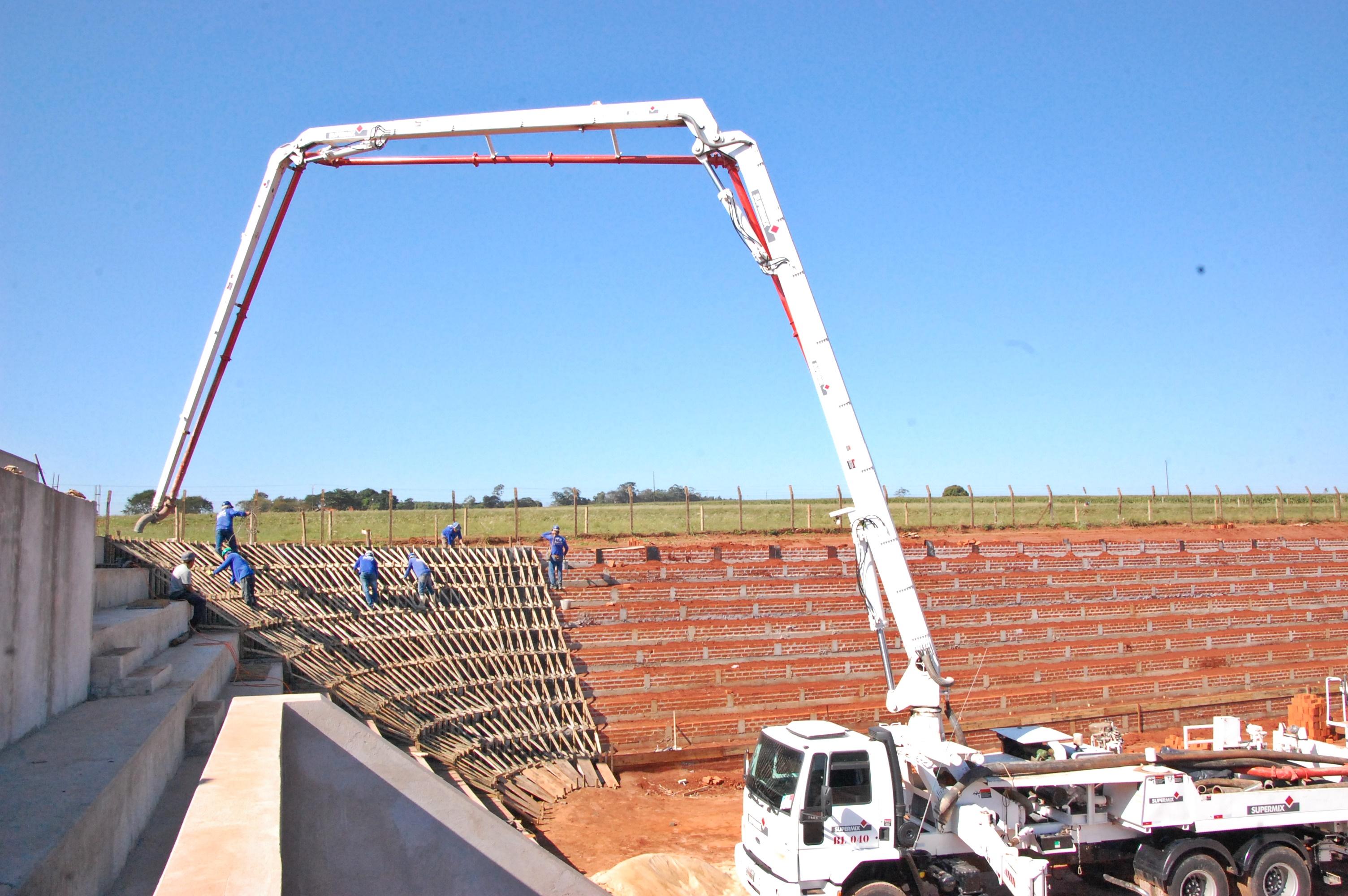 construção arena para rodeios