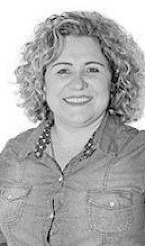 Silvana Manzotti  1ª Secretária - Partido: PDT