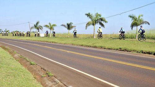 1º pedalada internacional  reúne ciclistas de toda a região em São Tomé