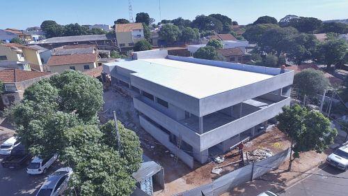 Construção do prédio para uso do paço municipal em fase final