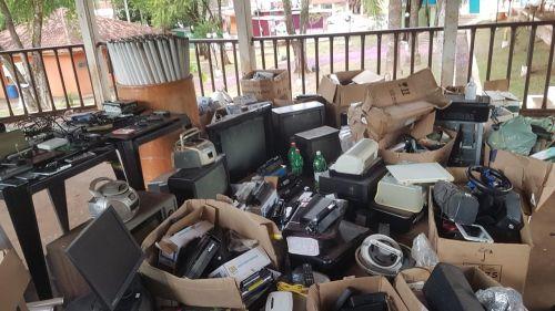 Prefeitura realiza coleta de resíduos eletrônicos, lâmpadas, pilhas e baterias