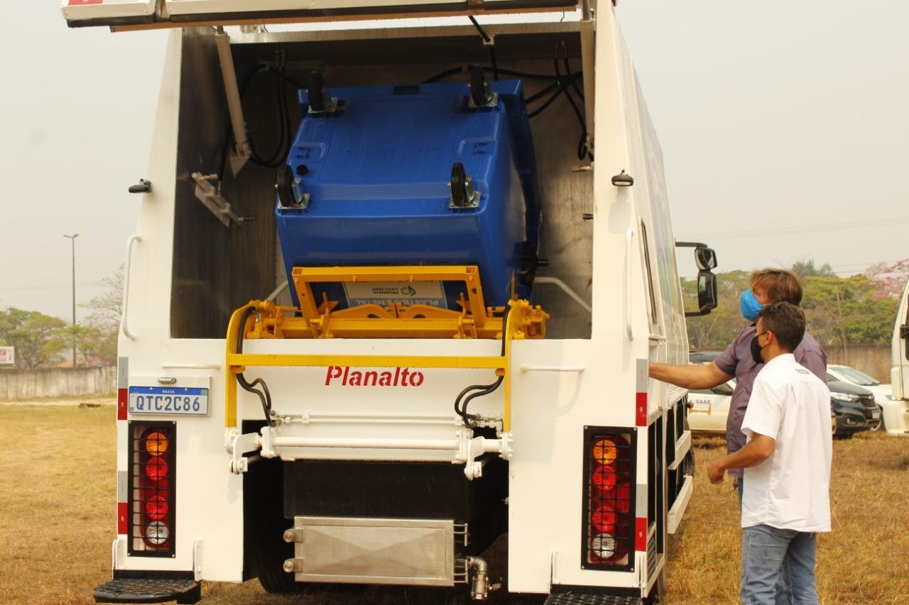 Caminhão lavador para coleta seletiva mecanizada já está em Vilhena