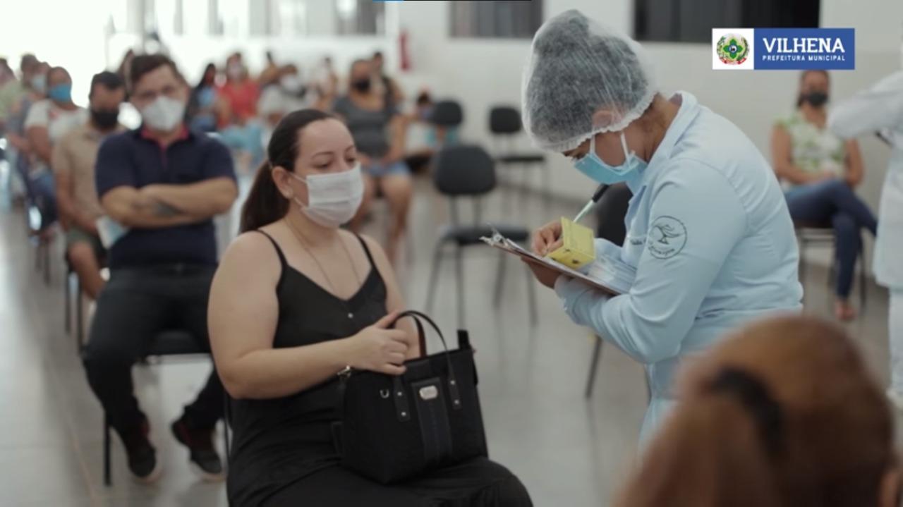 Vilhena já aplicou mais de 80% das doses recebidas e atinge marca de 27 mil vacinas aplicadas, veja dados