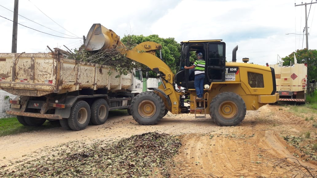RECUPERAÇÃO DE ESTRADAS e serviços de zeladoria em Nova Conquista mobilizam duas equipes da Semosp