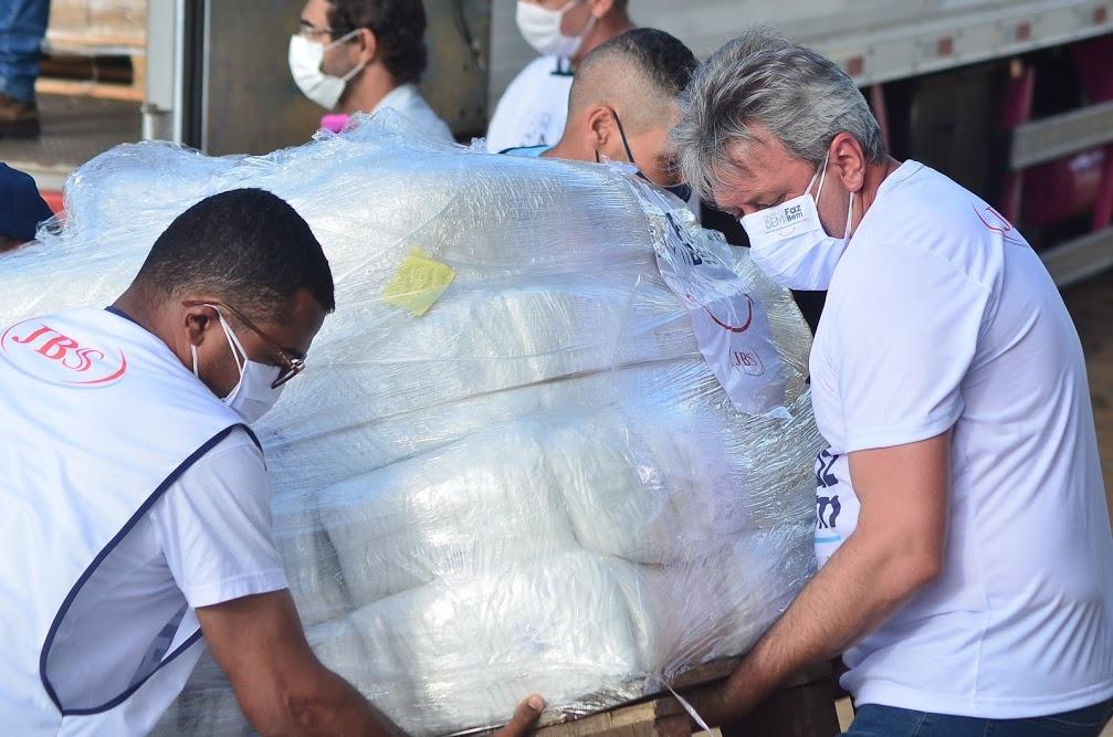 JBS entrega mais de 230 mil EPIs à Prefeitura: itens serão destinados a profissionais de Saúde
