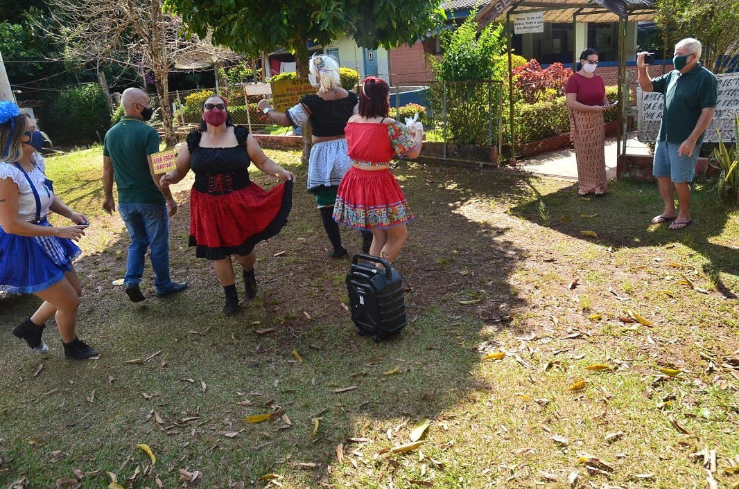 Centro do Idoso promove confraternização online com música e sorteio de brindes