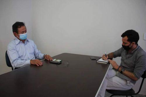 """Eduardo Japonês realiza visitas em veículos de comunicação e ressalta: """"Se a população não se cuidar, vai morrer mais gente"""""""