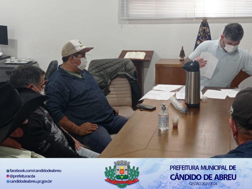 PREFEITO RENAN PROTOCOLA PEDIDO DE COLABORAÇÃO AO MUNICÍPIO PARA O DEP. ESTADUAL PROFESSOR LEMOS.