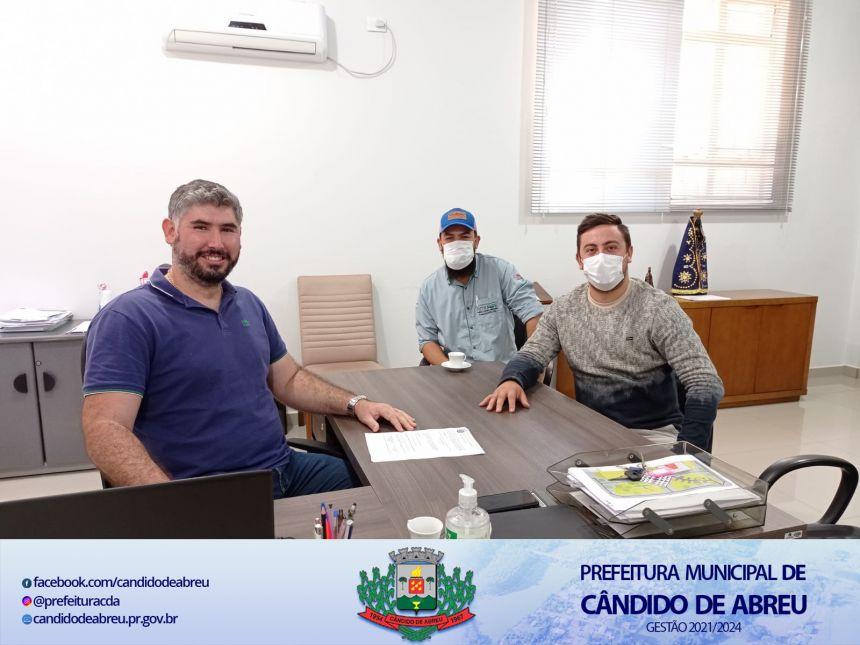 PREFEITO RENAN ASSINA ORDEM DE SERVIÇO PARA EXECUÇÃO DA OBRA NO CEMITÉRIO MUNICIPAL.