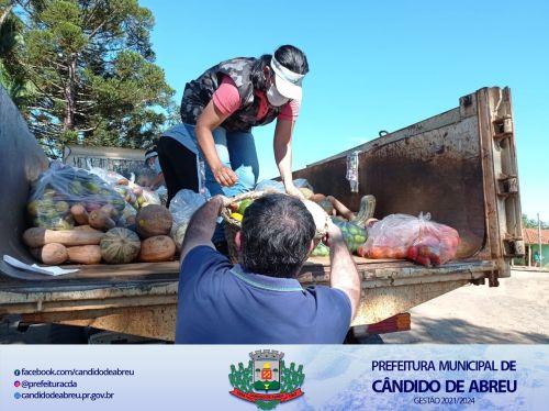 SECRETARIA DE ASSISTÊNCIA SOCIAL ENTREGA ALIMENTOS DO PROGRAMA MESA BRASIL