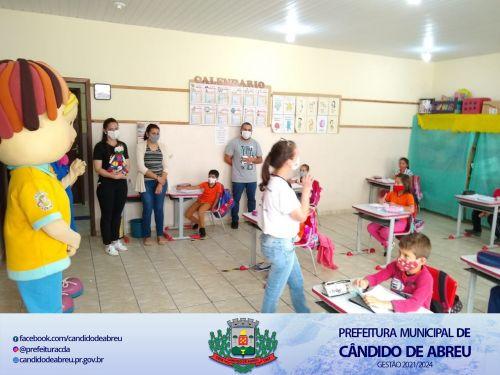 CÂNDIDO DE ABREU RECEBE VISITA DO AGRINHO E ANINHA