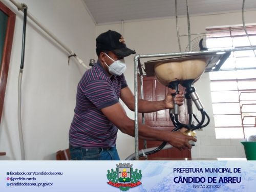 PRODUTORES DO MUNICÍPIO REALIZAM CURSO DE MANEJO DE GADO LEITEIRO NA CIDADE DE CASTRO - PR.