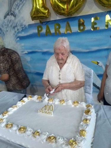 MARIA DE OLIVEIRA MARQUES COMPLETA 100 ANOS