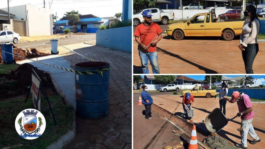 Prefeita Elza acompanha execução de reparos em vias urbanas e no calçamento da Rodoviária Municipal.