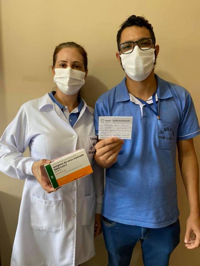Primeiro funcionário da saúde vacinado em Iracema do Oeste.