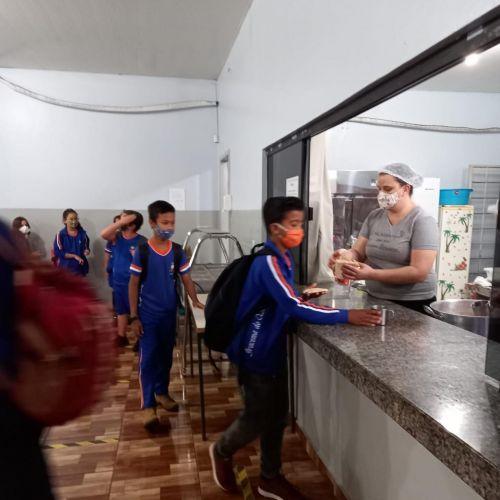 Administração de Iracema do Oeste passa a servir café da manhã para alunos da Rede Municipal de Ensino