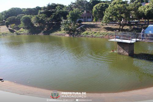 Parque Lagoa Dourada passa por despesca em Mandaguaçu
