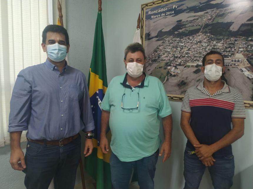 PREFEITOS DE RONCADOR E NOVA CANTU SE REUNEM PARA DISCUTIR CONSTRUÇÃO DE DUAS NOVAS PONTES DO RIO AZUL