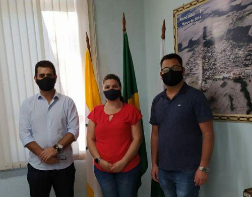 TATIANA PIMENTEL DA SILVA tomou posse hoje (11) como enfermeira padrão