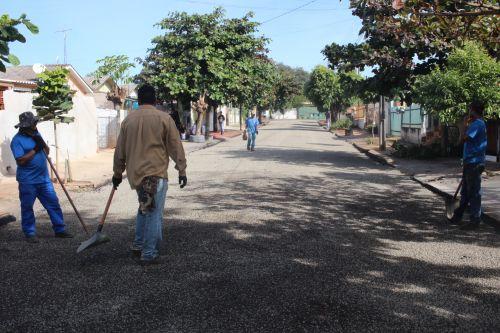 PREFEITURA MUNICIPAL DE PEABIRU INICIA TRABALHO DE RECUPERAÇÃO ASFÁLTICA NO CONJ. HAWTHORNE