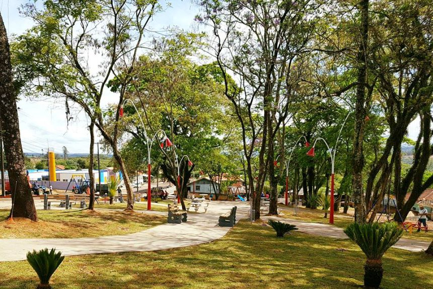 Construção Praça Jardim Leonor