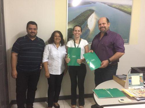 Prefeitura de Porto Rico e UNIMED assinam contrato de adesão para plano de saúde do funcionalismo público.