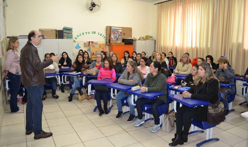 SECRETARIA DE EDUCAÇÃO OFERECE FORMAÇÃO EM PSICOMOTRICIDADE