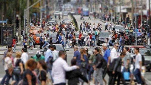 Quase metade das cidades do Paraná perdeu habitantes em 2020, diz IBGE