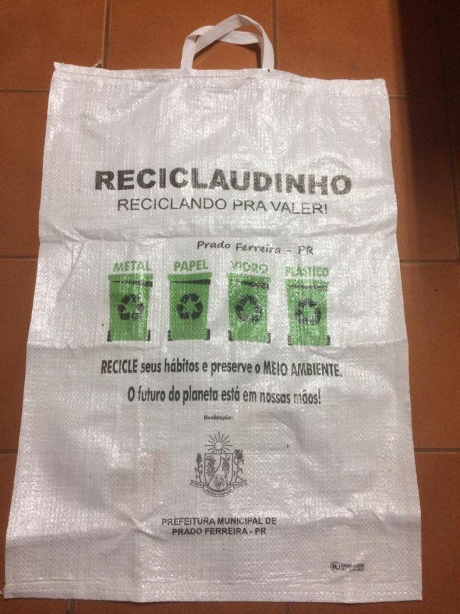 COLETA SELETIVA - ENTREGA DOS SACOS DE RÁFIA