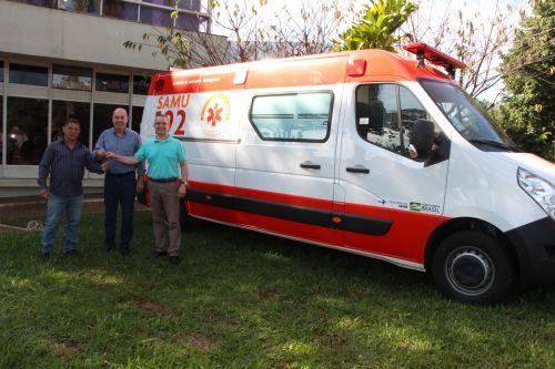 Miguel Amaral afirma que ambulância irá agilizar atendimento à população