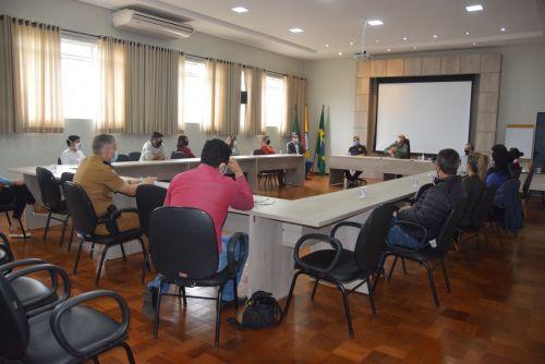 Risco de colapso na saúde leva Prefeitura de Ivaiporã fechar comércios não essenciais por 15 dias devido ao Covid-19