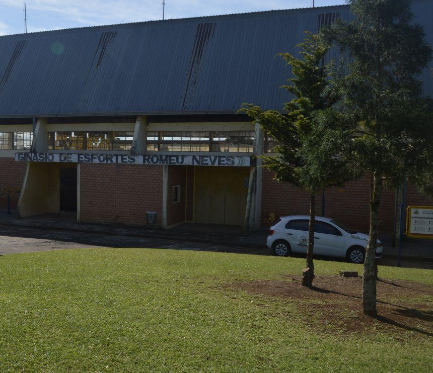 Secretaria de Esporte e Lazer inicia projetos de dança e futsal