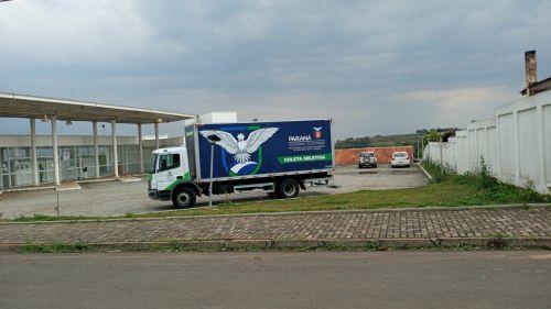 Caminhão Bau Para Coleta Seletiva