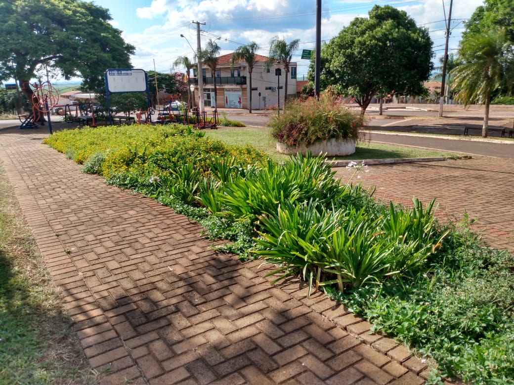 Prefeitura realiza manutenção nos espaços públicos e planeja arrastão de limpeza