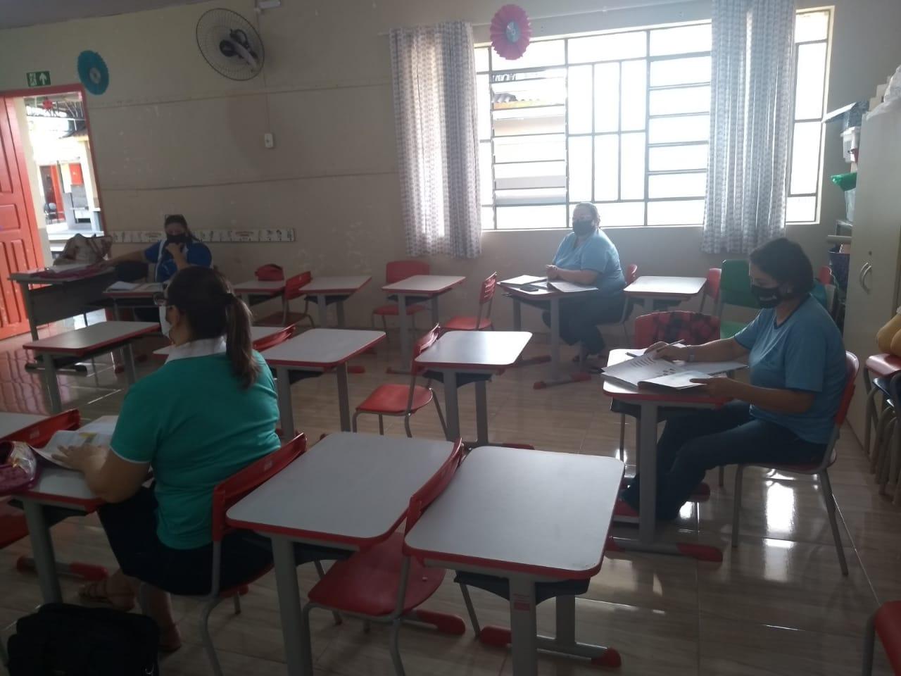 Professores da rede municipal recebem formação pedagógica