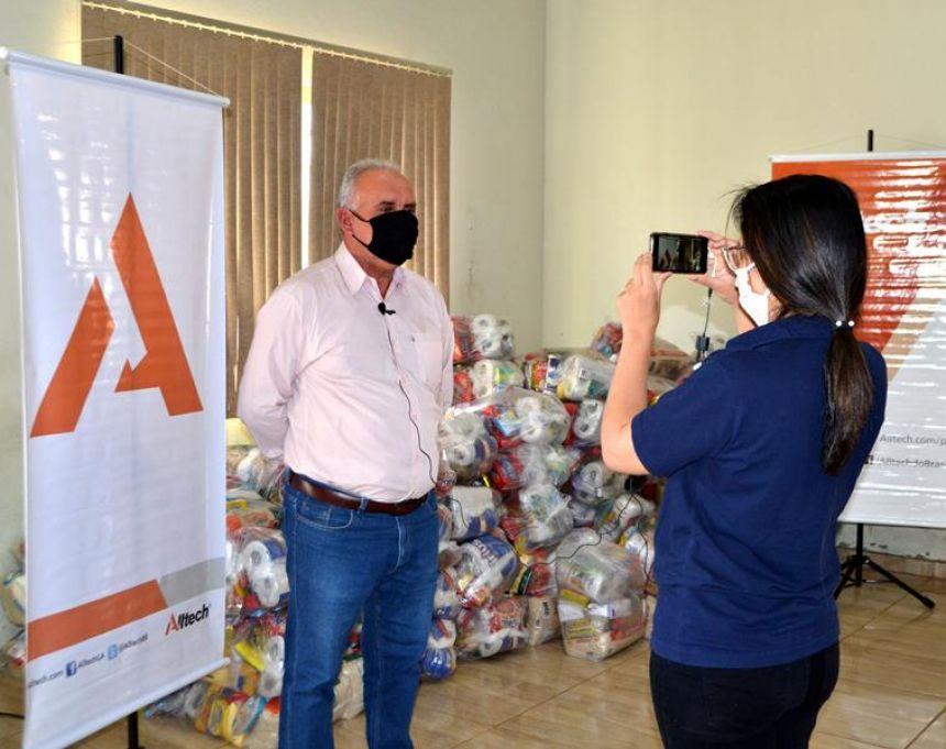 Em parceria com a prefeitura, Alltech entrega mesa cirúrgica e doa centenas de cestas básicas