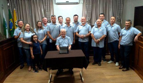 Edival durante evento em sua homenagem pelos 15 anos de servicos prestados ao CONSEG
