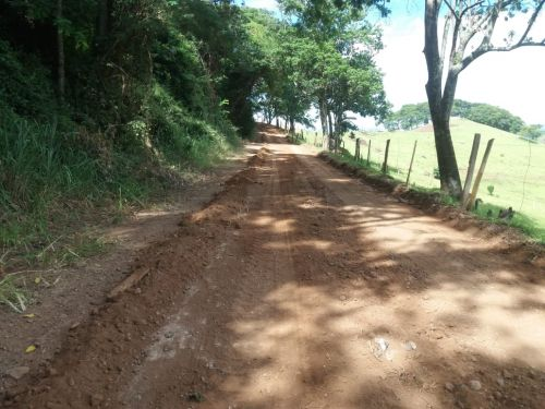 Estradas rurais são revitalizadas em São Pedro do Ivaí