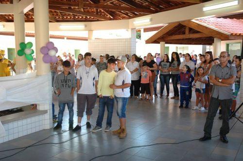 Ângulo inaugura a Escola Padre José de Anchieta