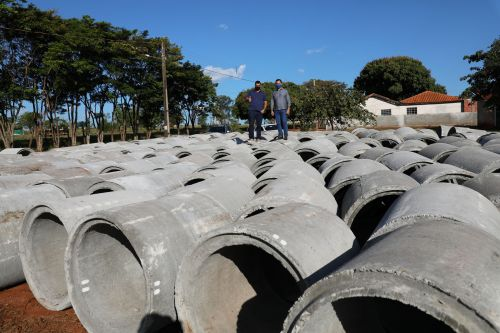 Município de Ângulo recebe tubos de concreto