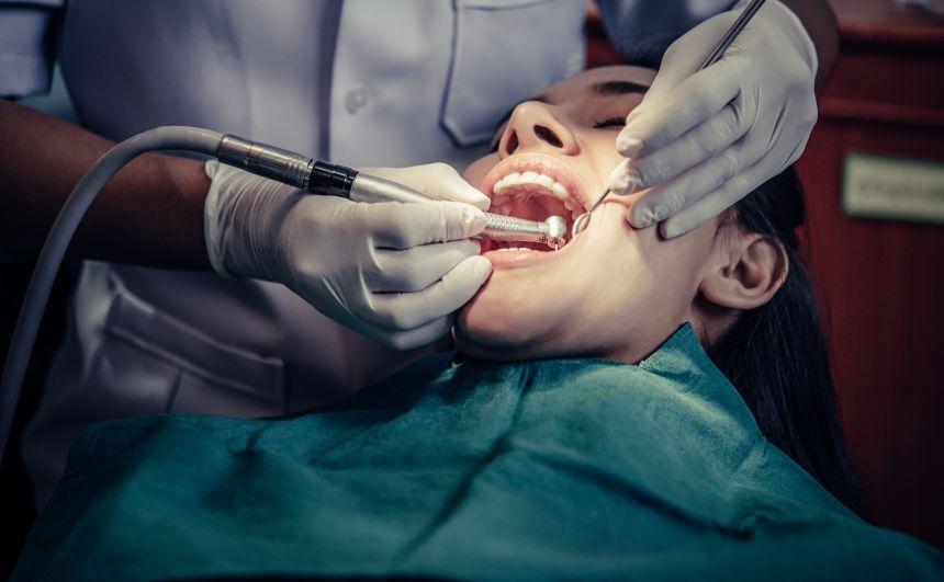 Prefeitura convoca auxiliar em saúde bucal