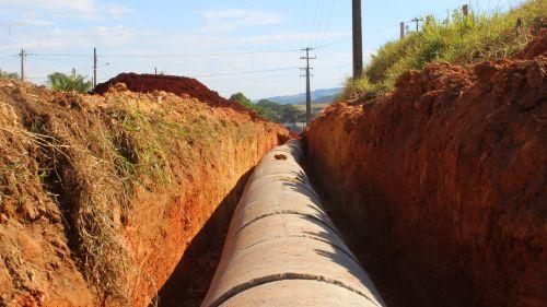 Vídeo - Etapa Inicial Colocação Rede de Drenagem Pluvial